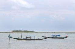 trä för lake för fartygchilkafiske traditionellt fotografering för bildbyråer