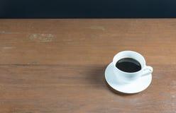 trä för tabell för kaffekopp Royaltyfri Fotografi