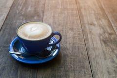trä för white för tabell för svart kaffe Fotografering för Bildbyråer