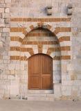 Trä- och stendörr Libanon Mtein Arkivbild