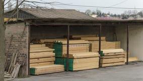 Trä som lagras i litet lager Royaltyfria Bilder