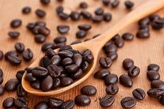 träbönakaffesked Arkivbild