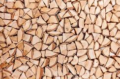 Träbakgrund av splittrade trädstammar Royaltyfri Foto