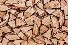 Träbakgrund av splittrade trädstammar Royaltyfria Bilder