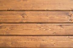 Träbakgrund med horisontalbräden Arkivfoton