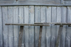 Träbakgrund med trappan royaltyfri bild