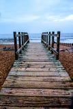 Träbana på den Worthing stranden Royaltyfri Fotografi
