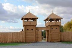 träbefästningport Royaltyfri Fotografi