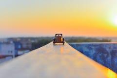 Träbil i solnedgången Royaltyfria Bilder