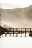 Träbro, scenisk punkt på sting Aung Royaltyfri Fotografi