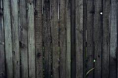 träbrunt mörkt staket arkivfoton