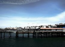 Träbyggnad på Santa Monica Beach arkivfoton