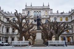 Träd för Ai Wei Weis på den kungliga akademin av konster Fotografering för Bildbyråer