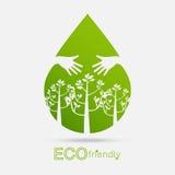 Träd för gräsplan för begrepp för Eco vänligt handkram Miljömässigt vän Royaltyfri Bild