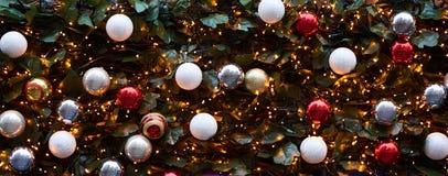 Träd för ljus och för jul för julbackgrondintelligens royaltyfri foto
