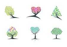Träd, fantasi, logo, dröm, växt, symbol, gräsplan, hjärta, hopp, symbol och hypnotherapy vektordesign för natur Arkivfoto