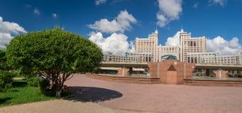 Träd i Astana royaltyfria foton