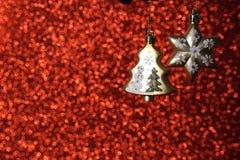 Träd och stjärna för ljus guld- jul dekorativt arkivbilder