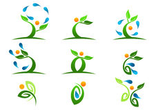 Träd växt, folk, vatten som är naturligt, logo, hälsa, sol, blad, ekologi, uppsättning för vektor för symbolsymbolsdesign Arkivbild