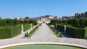 Trädgård av övrebelvederen i Wien fotografering för bildbyråer