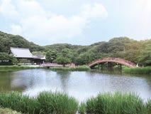 Trädgård av den buddistiska templet på Yokohama i Japan Arkivfoton