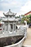Trädgård av den Kek Lok Si Buddhist templet royaltyfria bilder