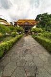 Trädgård av den Kek Lok Si Buddhist templet arkivfoto