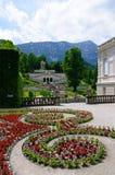 Trädgård av den Linderhof slotten i Tyskland Arkivbilder