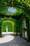 Trädgård av den Linderhof slotten i Tyskland Royaltyfri Bild