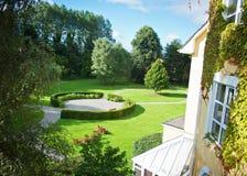 Trädgård av det Killarney hotellet Royaltyfri Bild