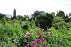 Trädgård av Monet i Giverny Arkivfoton