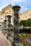 Trädgård av Santa Clara Monastery i Naples, Italien arkivfoto