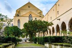 Trädgård av Santa Clara Monastery i Naples, Italien royaltyfri bild