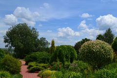Trädgård för att koppla av Arkivfoton