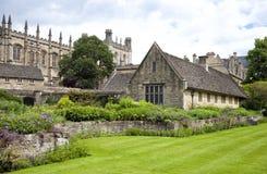 Trädgård för krigminnesmärke england oxford Arkivfoto