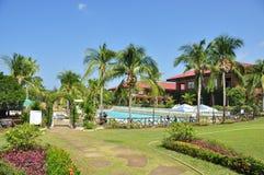 Trädgård för strandhotellsemesterort Arkivfoton
