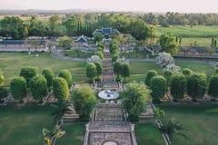 Trädgård för tre kungariken på Pattaya: Sikt från över arkivbild