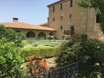 Trädgård i en kloster Royaltyfri Bild