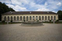 Trädgård i Warszawa, Polen Arkivfoton