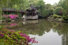 Trädgård-klassiska trädgårdar för vår av Suzhou Arkivbilder