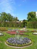 Trädgård på slotten Sanssouci i Potsdam, Tyskland royaltyfria foton