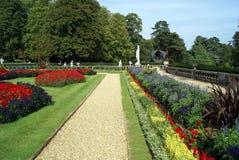 Trädgård Parkera Bana bana Royaltyfri Bild