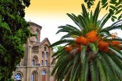 Trädgård Thessaloniki för oskuldMary Halkeon kyrka Royaltyfria Foton