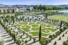 Trädgårdar för Chateaude Versailles i Paris, Frankrike Royaltyfri Fotografi