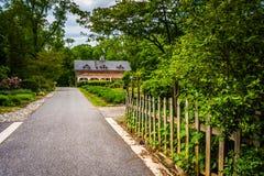 Trädgårdar och byggnad på den Cylburn arboretumen i Baltimore, Maryland fotografering för bildbyråer