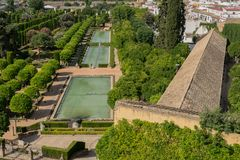 Trädgårdar på alcazaren de los Reyes Cristianos i Cordoba, Andal arkivbilder