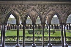 Trädgårdar på Mont Saint Michel Abbey Arkivfoton