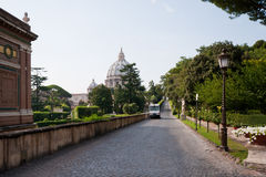 trädgårdar vatican går Royaltyfria Foton