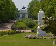 Trädgårdarna av Victoria Memorial i Kolkata royaltyfri fotografi
