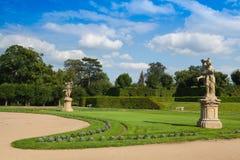 Trädgården parkerar i Dobris Arkivbild